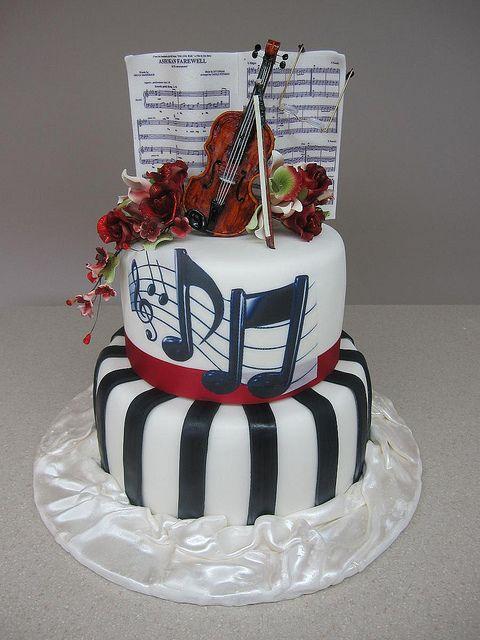 Violin Cake by CakeBreak1, via Flickr