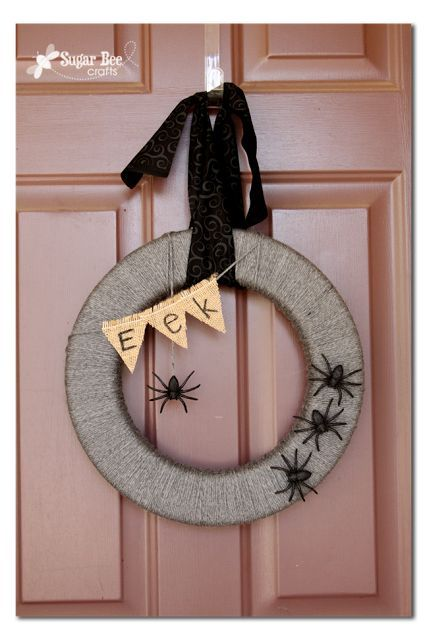 how to make a simple Spider Wreath (interchangeable) - Sugar Bee Crafts