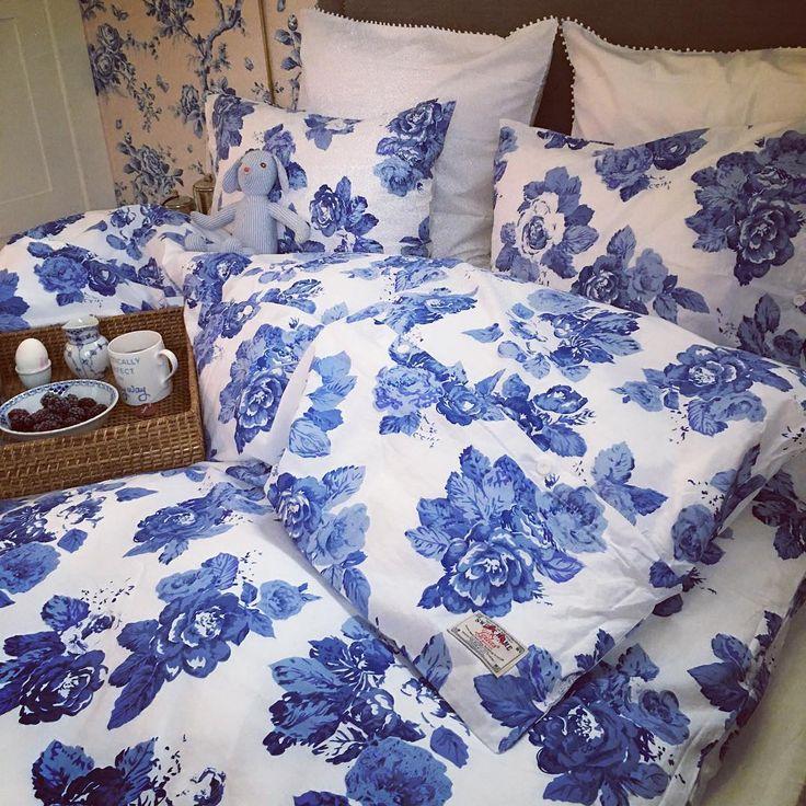 Jag har alltid varit besatt av krispiga svala och sköna sängkläder och nu kan jag stolt berätta att min nya egendesignade kollektion har landat! So proud of my new collection of bed linnens! This is the British Rose  @leilasgeneralstore #sweethomecollection #leilalindholm
