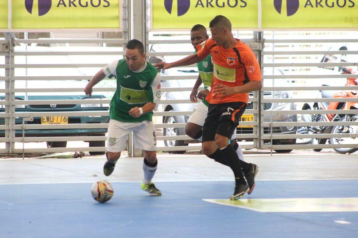 Daniel Bolívar de Real Antioquia y Christian Otero de Deportivo Lyon.