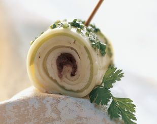 Tilsiter-Cannelloni mit Kräuterdip