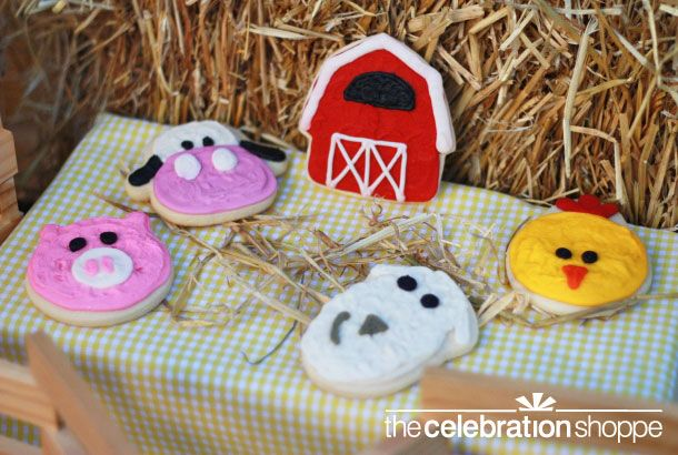 Barn, pig, sheep, cow and chick butter cookies from Sweet Tooth Cottage. YUM!