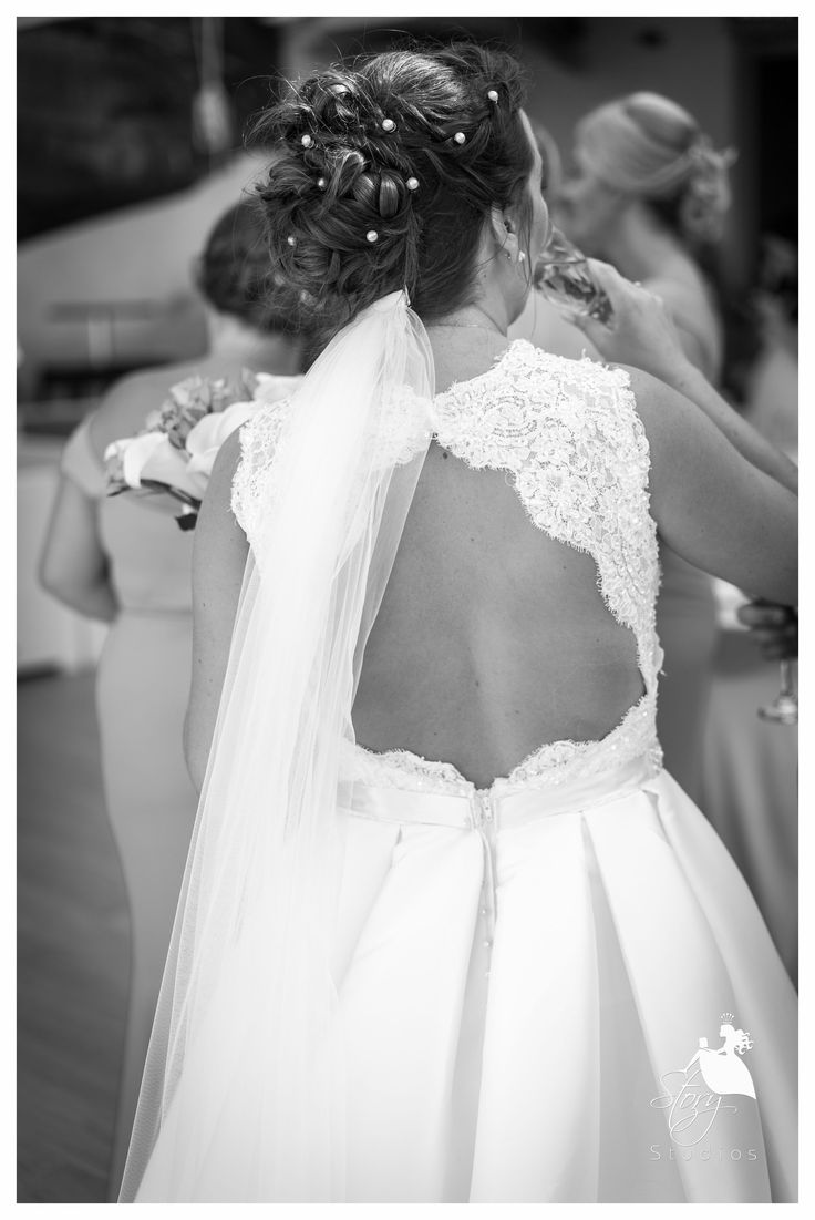 Beautiful wedding dress from the back! #storystudios