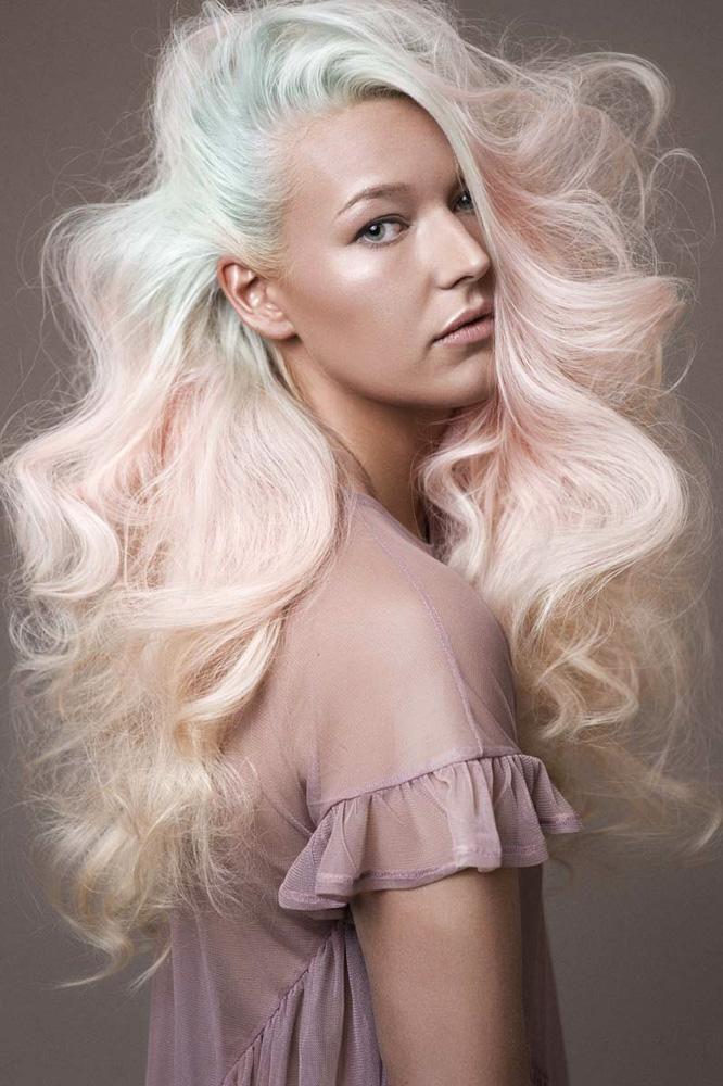 www.estetica.it | Hair: Petra Van Den Burg / Photo: Richard Monsieurs / Makeup: Marinella Baks & Bibi Engelbertink / Styling: Annet Veerbeek / Products: Farouk Systems / Extensions: Balmain