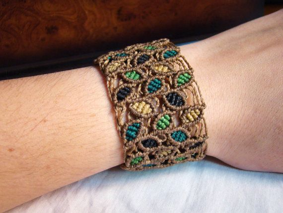 Leaves macrame bracelet - Color leaves micromacrame cuff - natural ethnic…