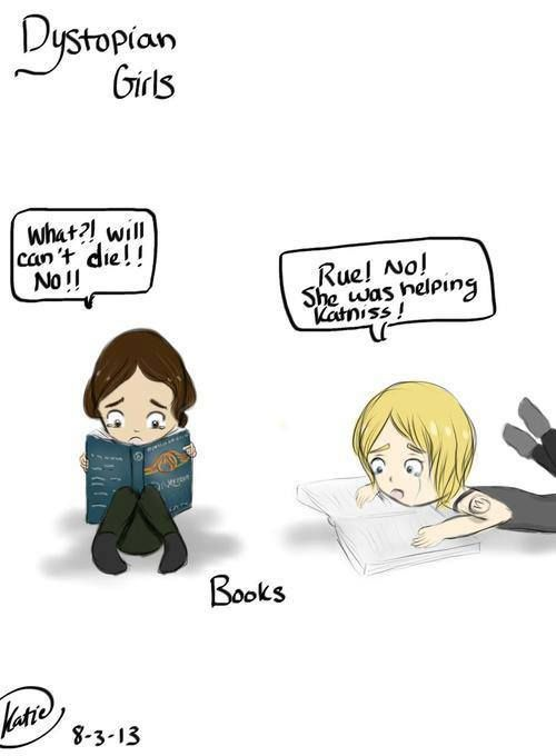 Katniss reading Divergent and Tris reading The Hunger games
