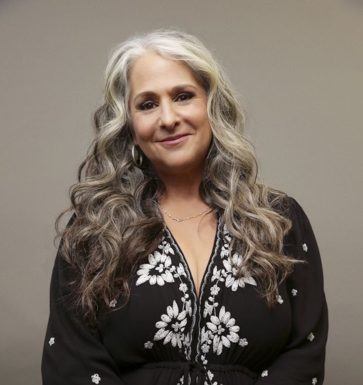 EXCLUSIVE: Marta Kauffman, whose Grace and Frankie is wrapping production on its third season, is ramping up the slate of herOkay Goodnight, which is behind the popularNetflix comedy series starr…