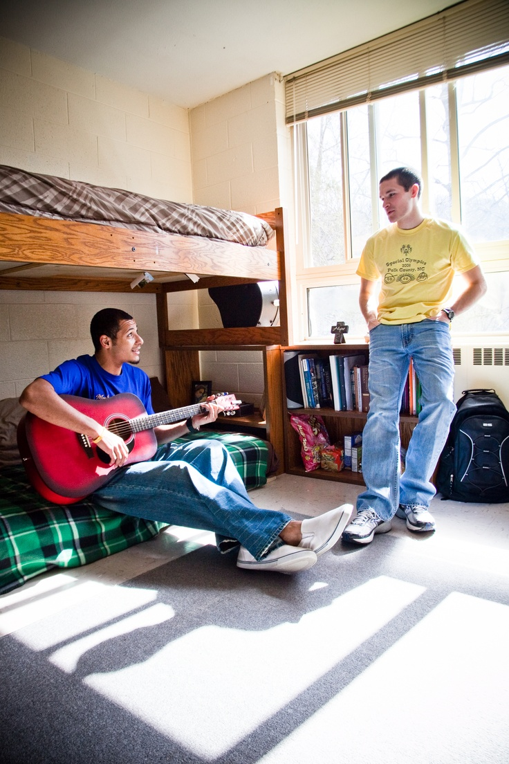 1000 images about dorm life on pinterest student life Dorm room setups