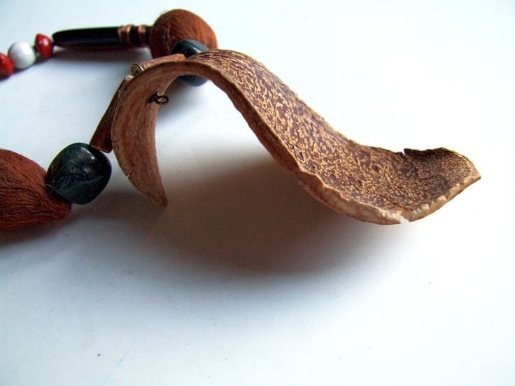 Collier graines d'Amazonie, bois et perles en Aventurine pierre semi-précieuse verte