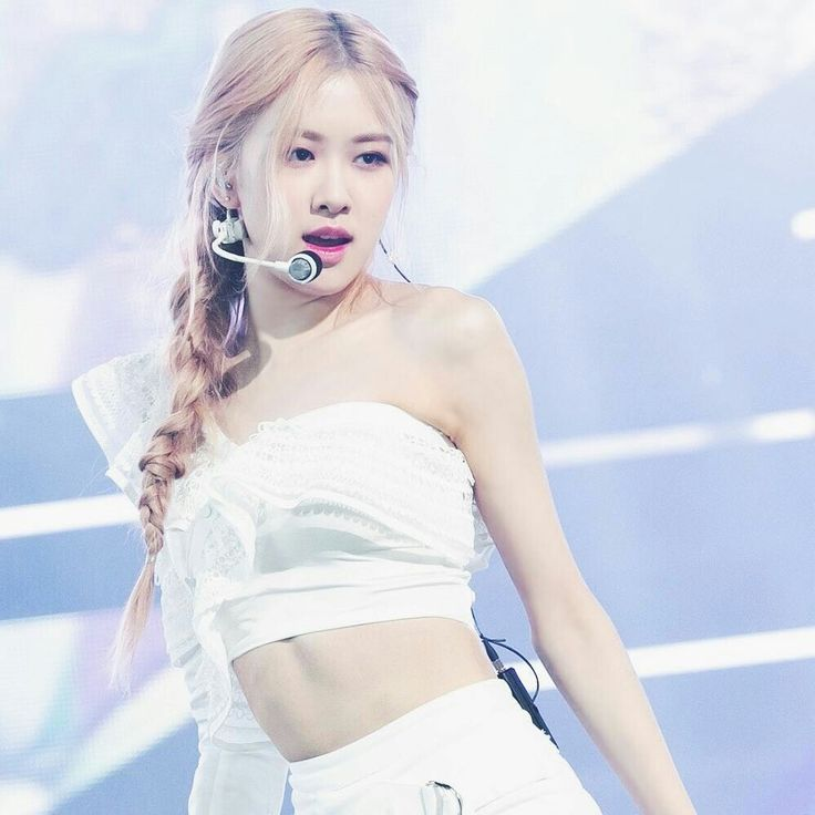 BlackPink Rosé | Fashion, Rose braid, Black pink kpop