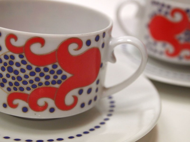 Vintage cup and saucer from Finland. Designed by Esteri Tomula. <3