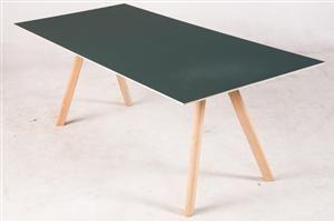 Vara: 3492330Ronan & Erwan Bouroullec, Copenhague Schreibtisch Modell CPH 30 für Hay Diese Ware steht erneut zur Auktion unter der Warennummer 3523330