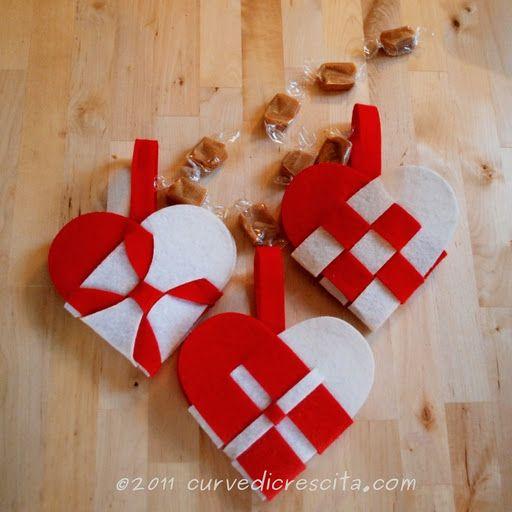 Oltre 25 fantastiche idee su cuori in feltro su pinterest - Decorazioni natalizie in feltro ...