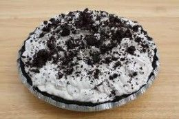 Oreo Pie Recipe  Looks absolutely scrumptious - yum!  I can't wait to try it.