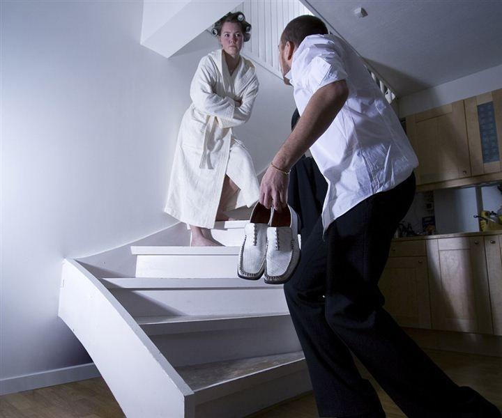 Knirk i gulv og trapp er irriterende, men kan ofte løses enkelt.