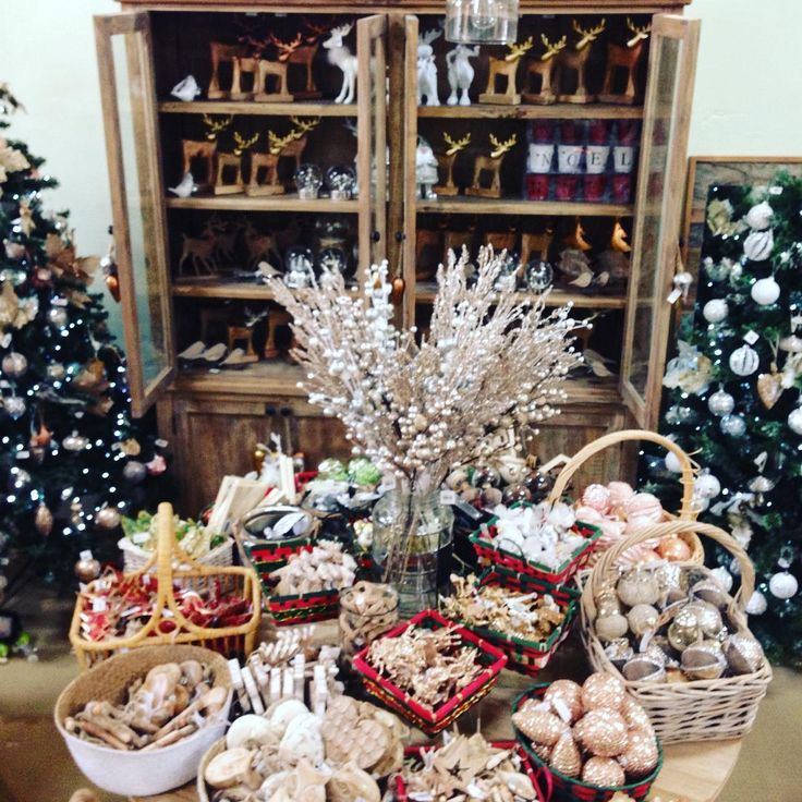 #theminerscouch #christmas #festive #fun #style #rustic #beauty #glitter #shopping #family #holidays #moonta #decorations
