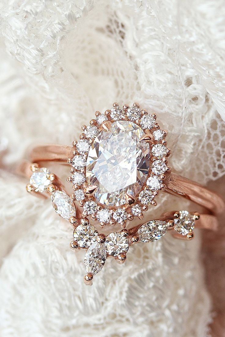 Oval Moissanite Halo Unique Engagement Wedding Rings Set Art