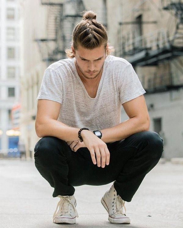 Men's Braids oder Braid Hairstyles for Men's Ultimate listen verschiedene Braid Styles für das Jahr 2019 auf, die selbst mit kurzen Haaren oder rasierten Seiten rocken können! - ...