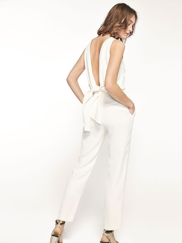Autumn winter 2016 Women´s WHITE JUMPSUIT WITH BOW DETAIL at Massimo Dutti for 12990. Effortless elegance!