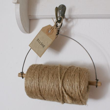 string dispenser, how easy can this be to make and very useful for the craft room