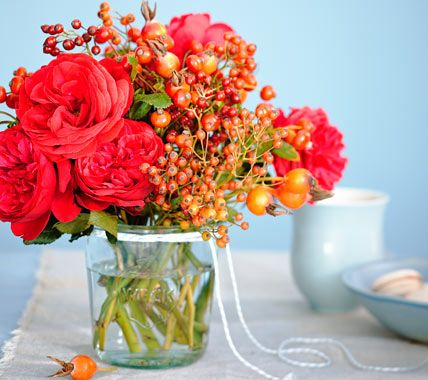 Fall Decoration Flowers And Berries Decorating Ideas In 2018