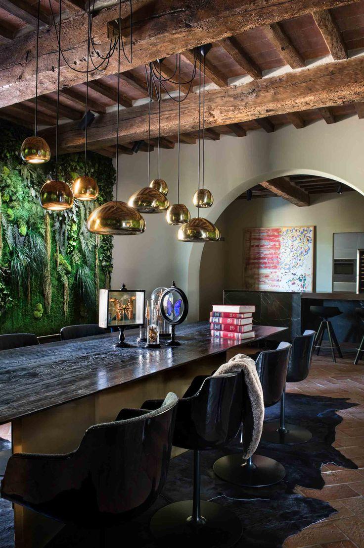 Project: Private house Castiglione Fiorentino  Architects: Studio Svetti architectur  Photo credit: Studio fotografico Pagliai #diningroom #mdfitalia #diningroomideas #table #chair