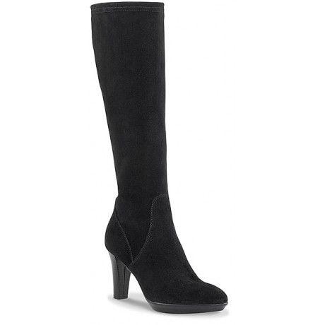 Aquatalia Re-Releases the Duchess's Favorite Boots