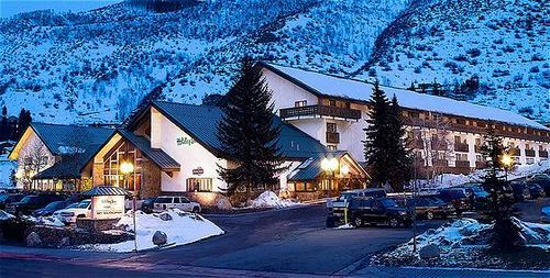 Ski Resorts/Hotels in Vail, United States >>  When you stay at Apex at Vail Condominiums in Vail, you'll be in the mountains and close to The Steadman Clinic and Vail Ski Resort. This family-friendly resort is within close proximity of Vail Valley Medical Center and Cogswell Gallery.  See Photos & Booking Options here http://www.lowestroomrates.com/avail/hotels/United-States-of-America/Vail/Apex-at-Vail-Condominiums.html?m=p   #SkiVail