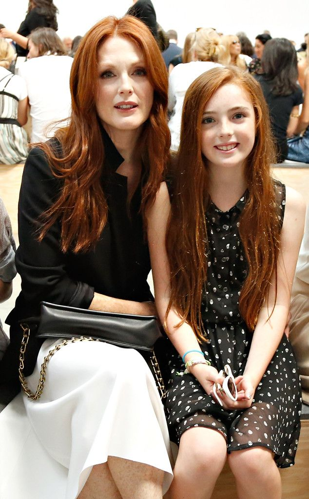 Julianne Moore and Look-Alike Daughter Liv Stun at Fashion Week—Check Out the Gorgeous Redheads!