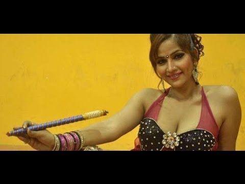 Tanisha Singh's HOT EXPOSING dandiya photoshoot (18+).