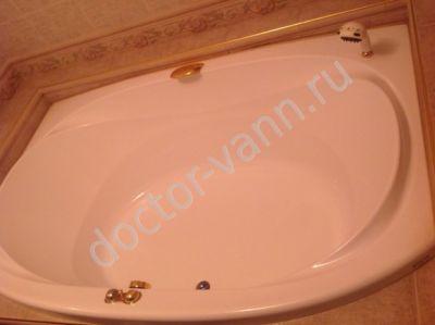 Розовая ванна джакузи