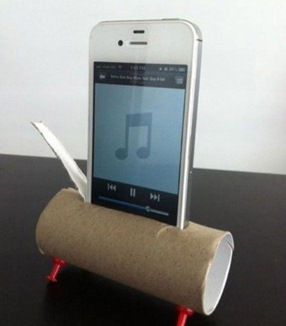 Нээрээ ч iPhone чанга яригчийн тал дээр муу шүү. Гэрийн нөхцөлд шийдэх хамгийн хялбар арга.