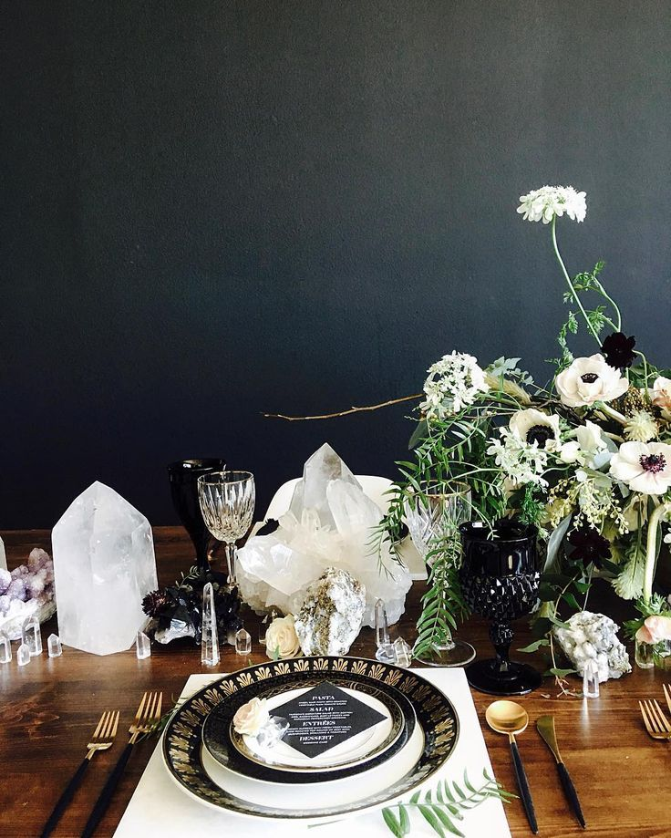 147 best Modern Tablescapes images on Pinterest | 15 years, Black and Events