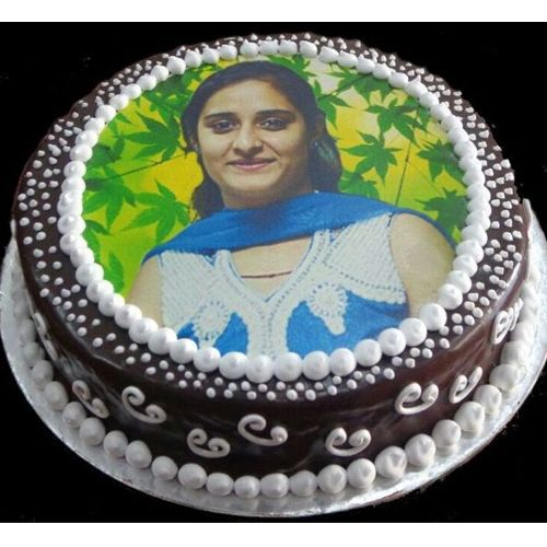 This is the time to give your mother lovely surprises in the midnight through #Yummycake. #Birthdaycakeformom #Cakeformom #mothersdaycake