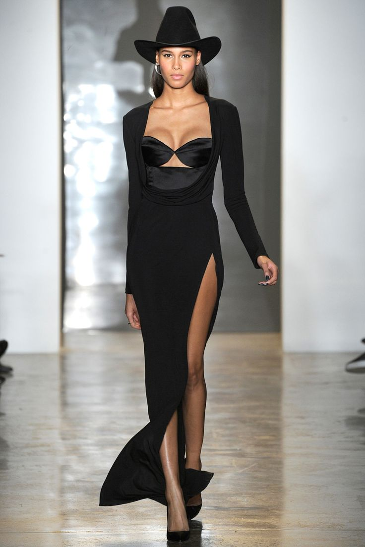 Cushnie et Ochs fall 2014 RTW Someone needs to wear this to the red carpet!! Love