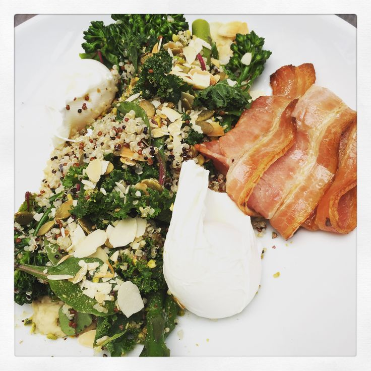 Good morning, breakfast! @toscabrownscafe for a refreshing brekky of Grains and Greens on this weird weather long weekend #melburnianguideto #greaterhamilton #spring #westerndistrict #toscabrowns #hamilton