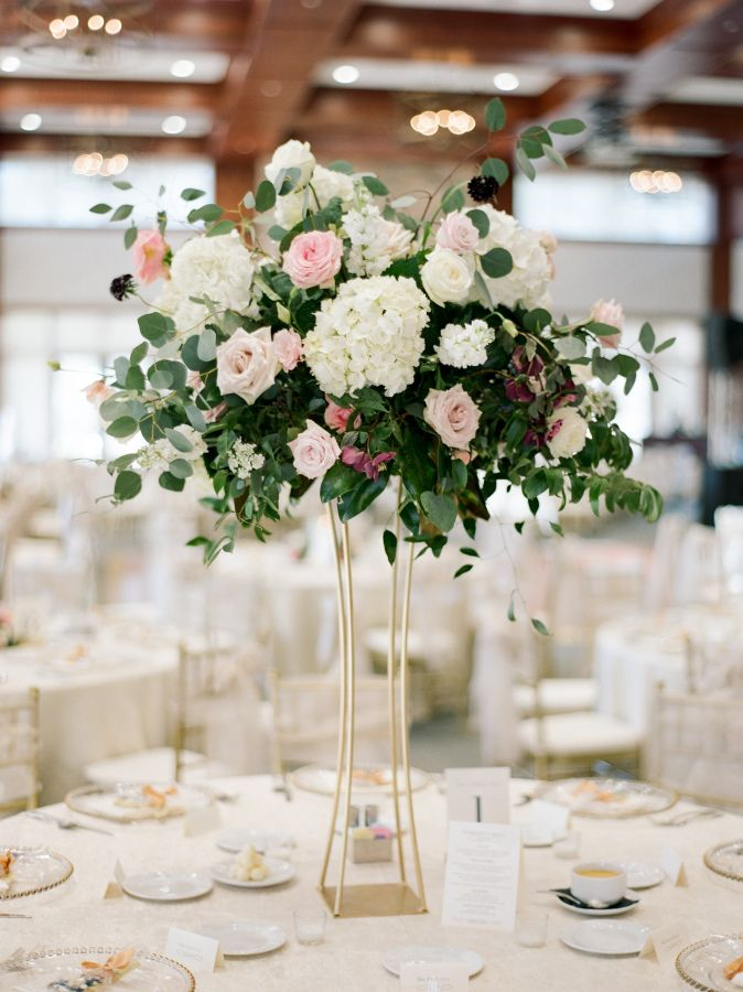 25 best hydrangea wedding centerpieces ideas on pinterest for Center arrangements for weddings