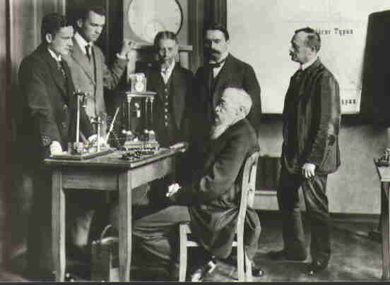 Who Founded the First Psychology Lab?: Wilhelm Wundt (seated) in the world's first psychology lab.