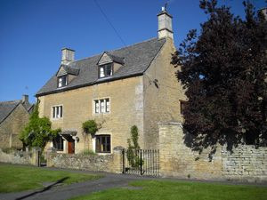 Cotswolds Holiday Cottages Bourton-on-the-Water Book Direct