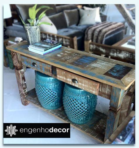 Lindo Aparador com Garden Stool- Madeira de demolição trabalhada em azul.