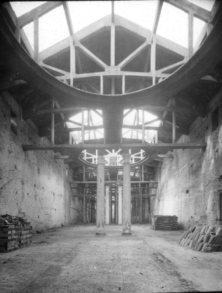 Interno museo dopo bombardamento durante la II Guerra Mondiale. #storiadibrera #arte #storia #cultura.