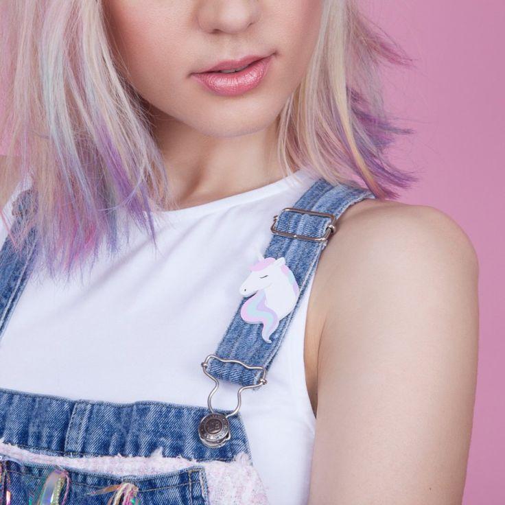 Broche Licorne arc-en-ciel par Natoo - couleurs pastel - à accrocher aux vêtements