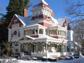 Grand Victorian Bed & Breakfast Inn Bellaire, MI would love to stay there someday!