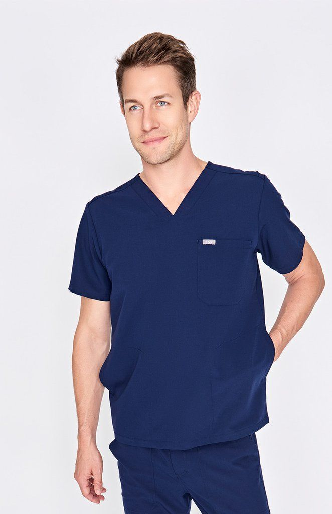 Men's Three-Pocket Scrub Top - Chisec – FIGS