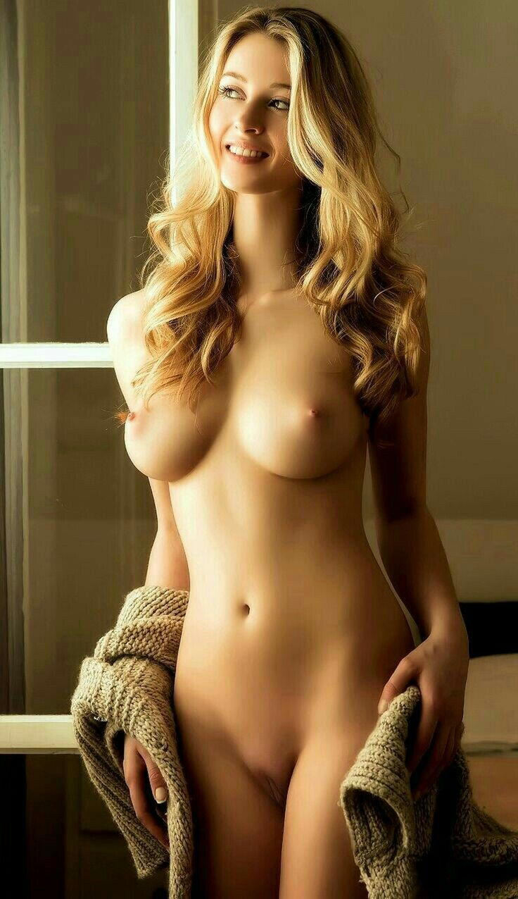 sexiest-nude-blondes-on-the-planet