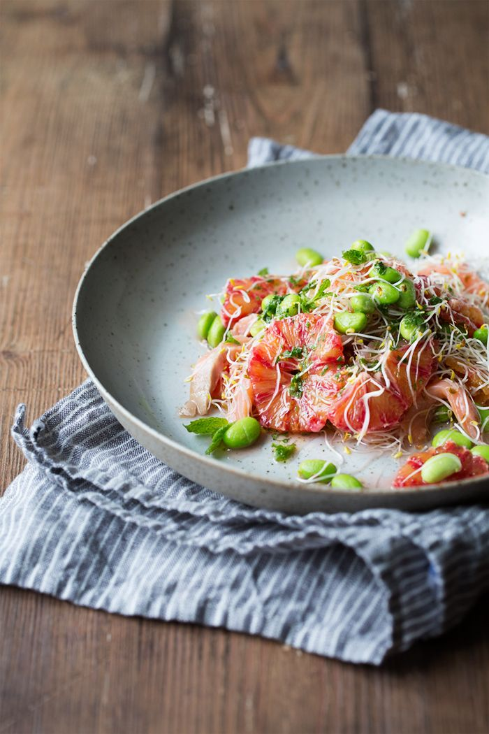 Blood orange, smoked salmon and edamame salad with mint dressing / Sonja Dahlgren/Dagmar's Kitchen