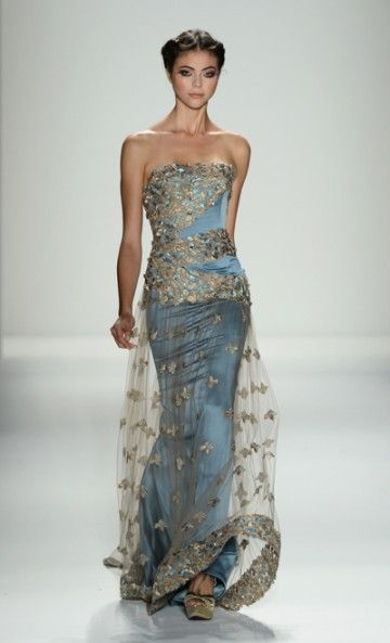 Mercedes-Benz Fashion Week : VENEXIANA SPRING 2013 - Oh now that is a beauty!!!