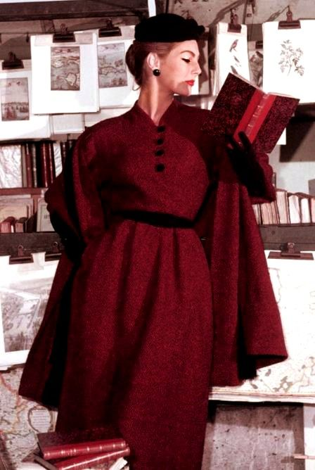 Fiona Campbell-Walter for ELLE Paris <3 1953. If I were that gorgeous, I'd read my books at that angle too.