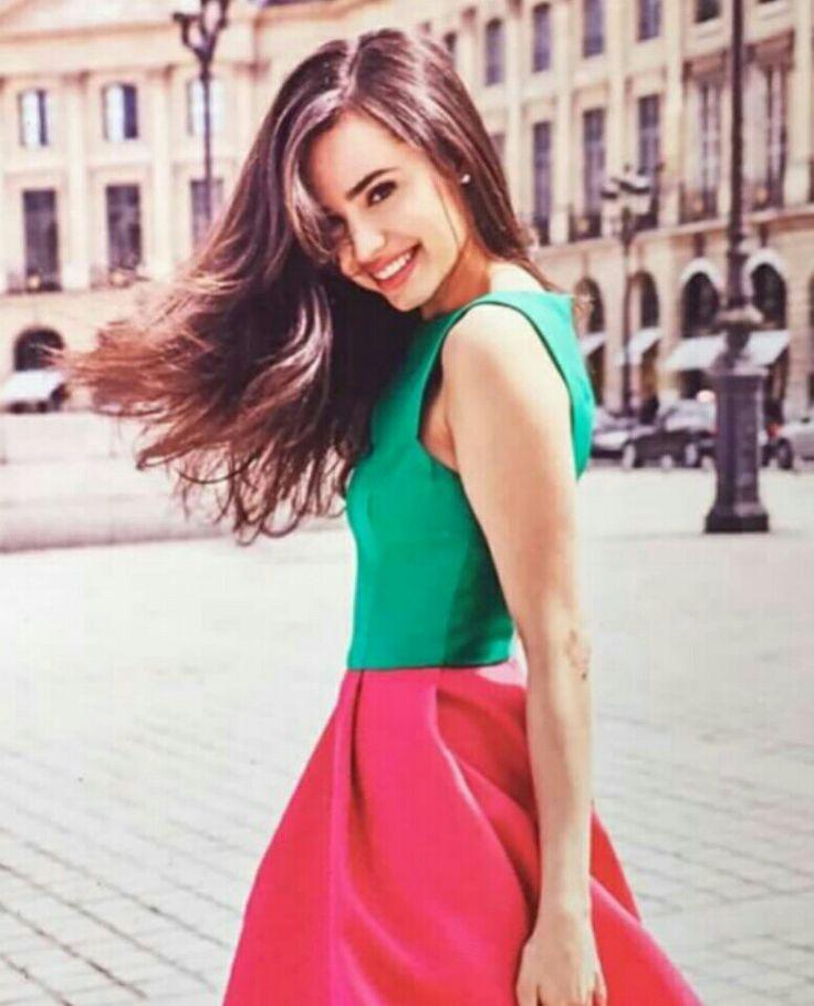 Sofia Carson :)