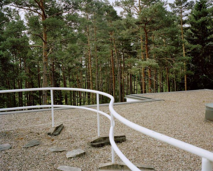 Armin Linke, 2014: Villa Mairea, Noormarkku, Finnland, Alvar Aalto, 1939.  Courtesy Armin Linke, VG Bild-Kunst, Bonn, 2014.